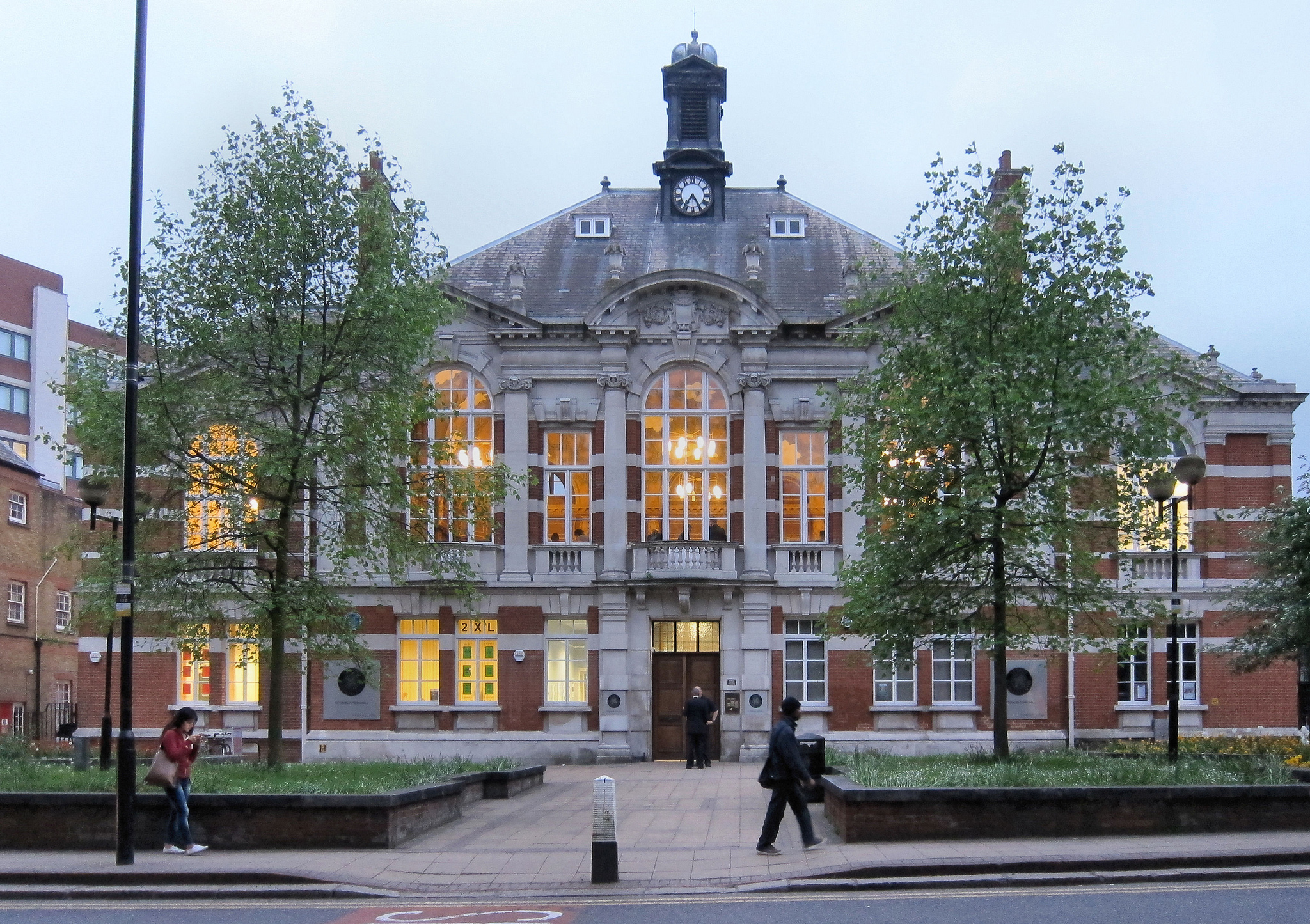 Former Tottenham Town Hall, photography by Alan Stanton