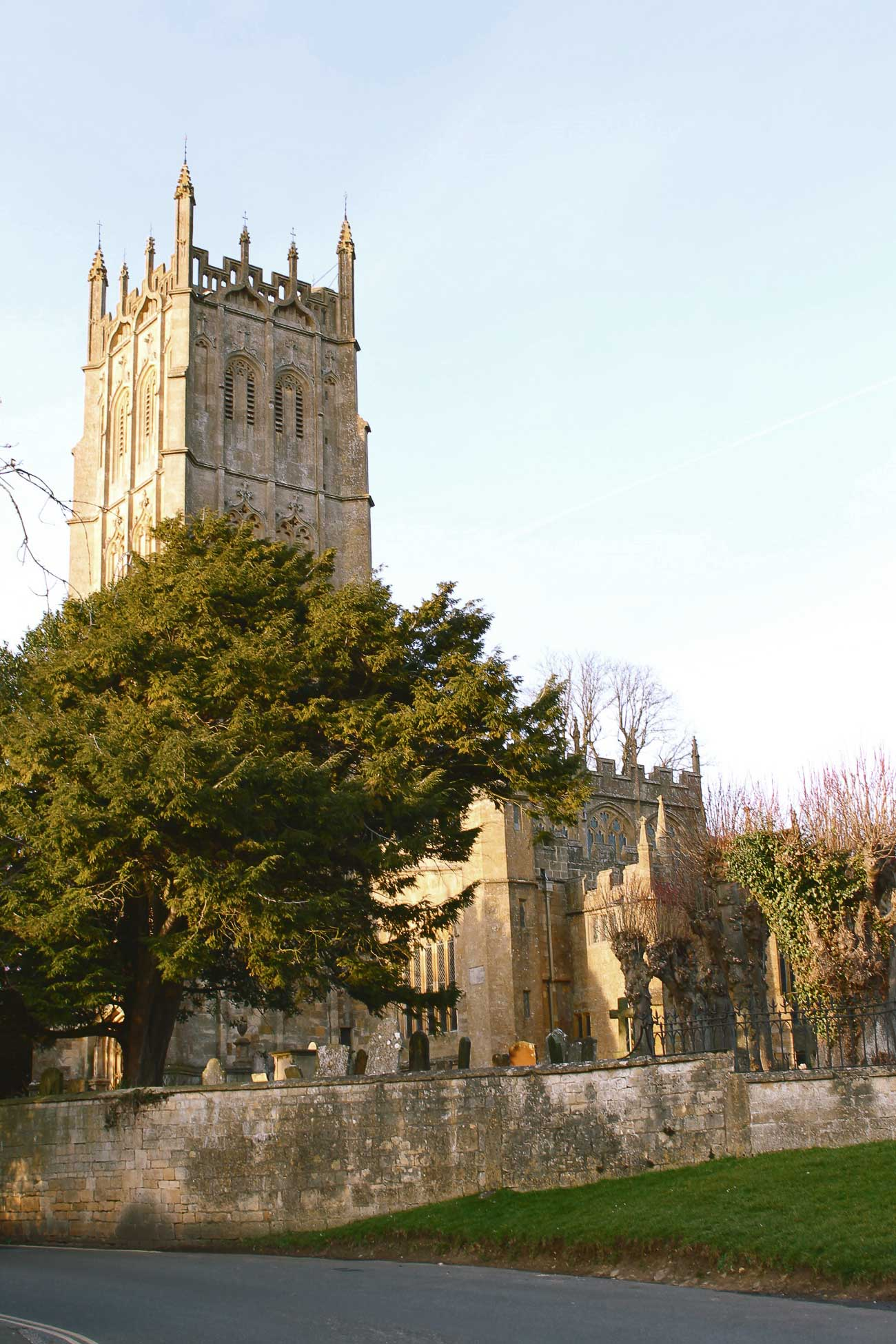 Turismo_Cotswolds_campina_inglesa_iglesia_Chipping_Campden